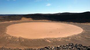 À la découverte du cratère d'Amguid au milieu du Sahara algérien