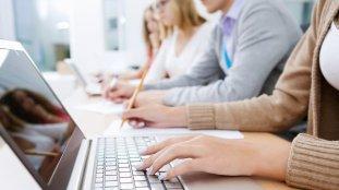Fiche pratique – Études en France : travailler pendant ses études