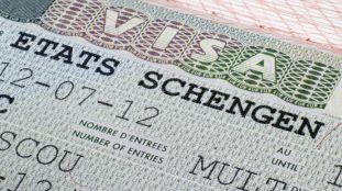 Les conjoints de français autorisés à entrer en France avec un visa
