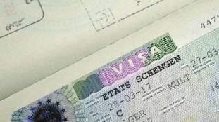 L'Allemagne invite les titulaires de visas Schengen expirés à quitter le pays