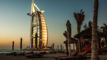 Emirates : hôtel, repas et visa gratuits pour les passagers en transit à Dubaï