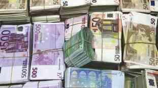 Dinar algérien : forte hausse de l'euro sur les marchés officiel et parallèle