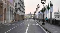 Algérie: le confinement durci, les frontières restent ouvertes
