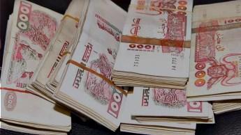 Euro, dollar : le dinar algérien retrouve des couleurs