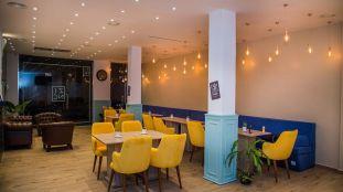 Le Zinc, un café chic et moderne à Alger