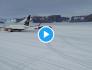 Décollage d'un Boeing 767 sur une piste de glace – Vidéo