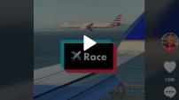 Exceptionnel: deux avions atterrissent en même temps (Vidéos)