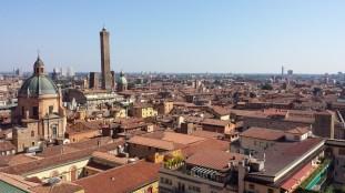 Un Youtubeur algérien nous fait visiter Bologne, « la ville rouge »