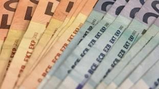 Aéroport de Roissy : il passe la douane avec 500.000 euros