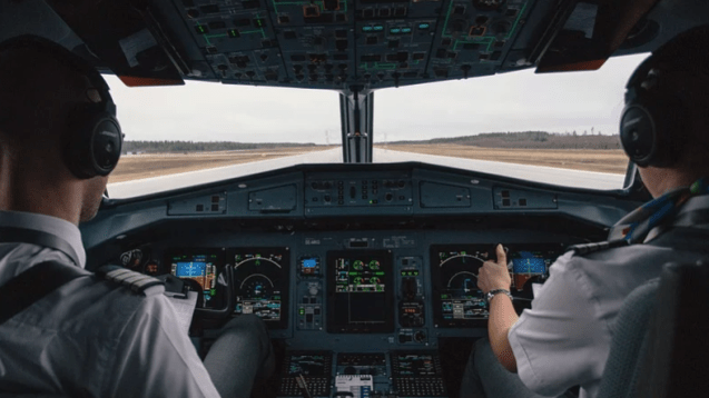 Un avion effectue un atterrissage d'urgence à cause d'une alarme