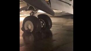 Un avion égyptien frôle la catastrophe à l'atterrissage (Vidéo)