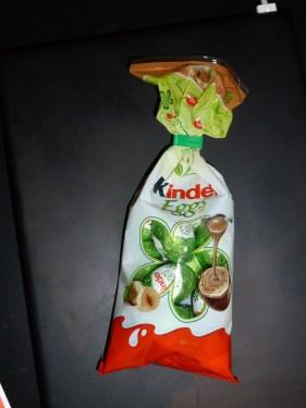 Kinder Eggs dans leur emballage.