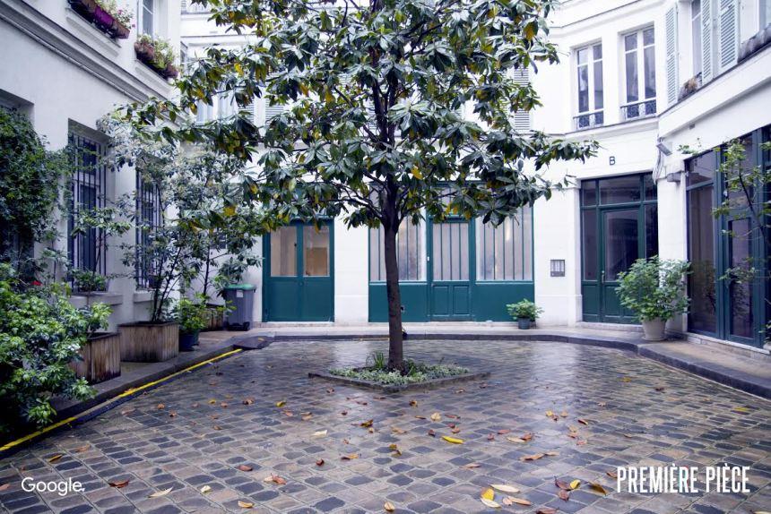 cour du bâtiment abritant la Première pièce de Google France