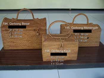 natrural bag made of rattan water hyacinth seagrass pandanus and other natural material in