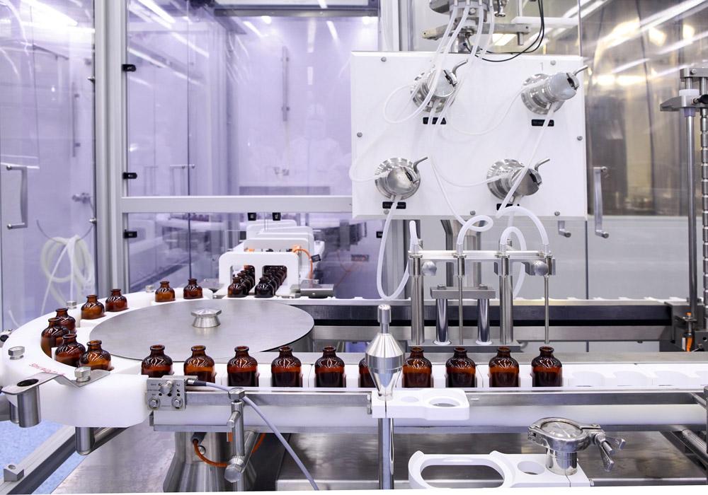 Chaine de production pharmaceutique
