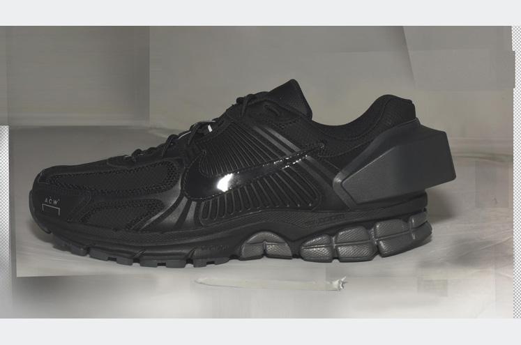 HO18_NikeACW_Vomero_black_side_reveal_004_82950