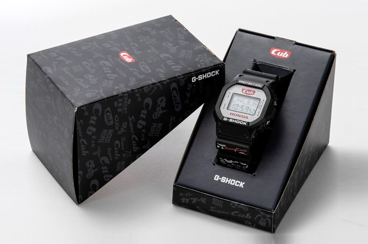 Honda-Super-Cub-G-Shock-DW-5600-box