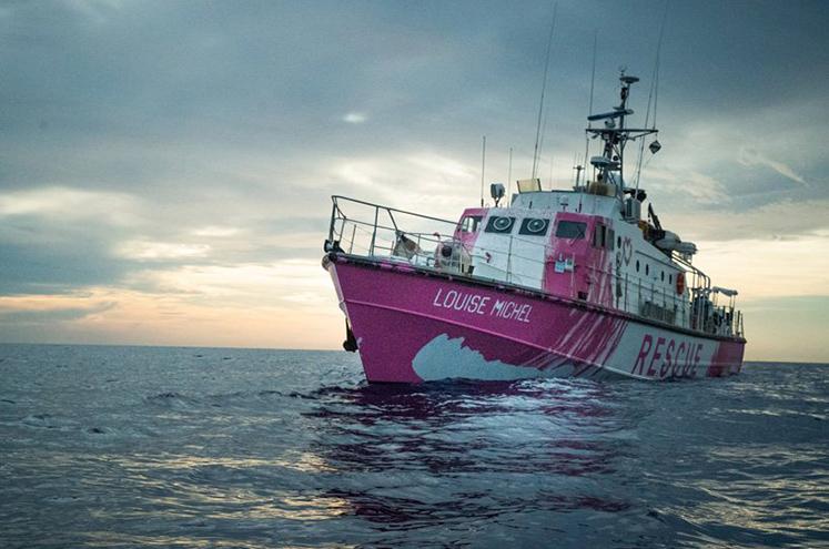 banksy-louise-michel-rescue-boat-refugees-mediterranean-designboom-3