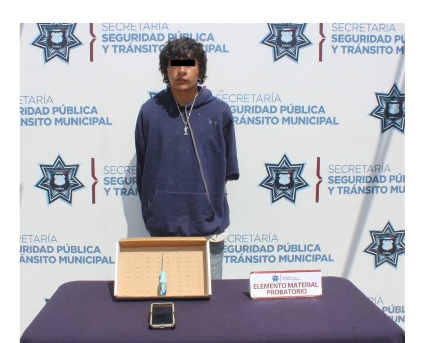 DETUVO POLICÍA MUNICIPAL DE PUEBLA A VARÓN POR ROBO A TRANSEÚNTE