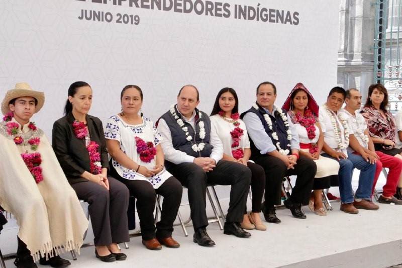 EL GOBIERNO DEL ESTADO, COMPROMETIDO CON LOS ARTESANOS INDÍGENAS: FERNANDO MANZANILLA PRIETO