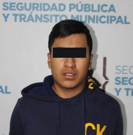DETUVO POLICÍA MUNICIPAL DE PUEBLA A HOMBRE POR PORTACIÓN ILEGAL DE ARMA DE FUEGO EN LA ZONA DE ANGELÓPOLIS