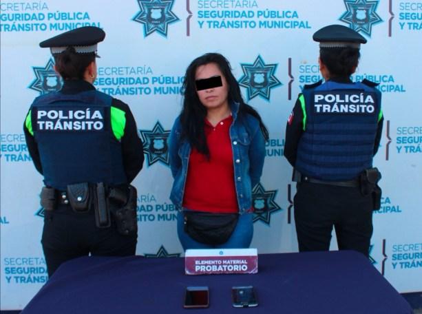 DETUVIERON POLICÍAS DE TRÁNSITO MUNICIPAL DE PUEBLA A MUJER POR ROBO A USUARIO DEL TRANSPORTE PÚBLICO