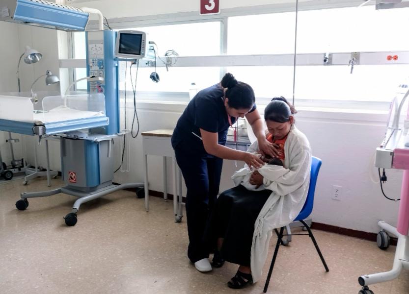 CON EL USO DE LAS REDES SOCIALES , EL IMSS PROMUEVE DE MANERA ACTIVA LA LACTANCIA MATERNA