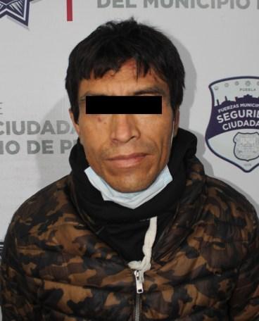 """DETUVO POLICÍA MUNICIPAL DE PUEBLA AL """"RAIDER"""", PROBABLE MULTIASALTANTE DE TIENDAS OXXO"""