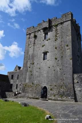 Dunguaire Castle courtyard