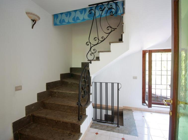 10 - Giove - Villa con Piscina - Scala