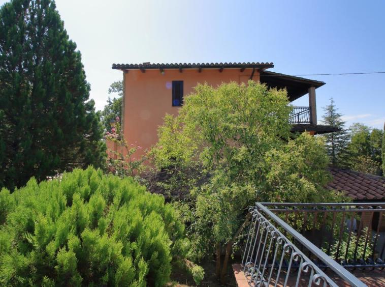 6 - Giove - Villa con Piscina - Dettagli Esterni