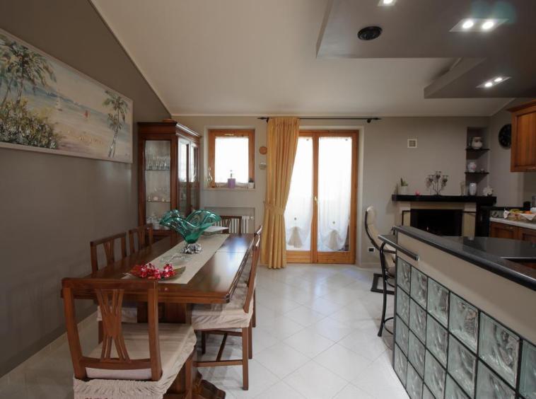 12 - Amelia - Appartamento - Via C.A. dalla Chiesa - Cucina Dettaglio
