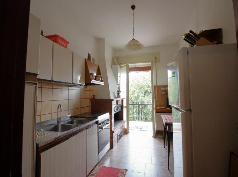 7 - Amelia - Via Primo Maggio - Cucina
