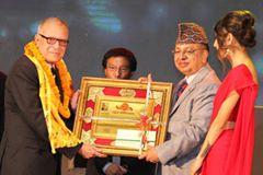 lux-kamana-film-award-2