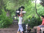 man carries scuba tank over his head for my first dive, learning to scuba dive and getting PADI certified