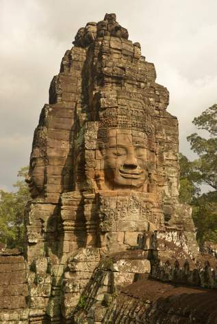 face from temple tower in bayon