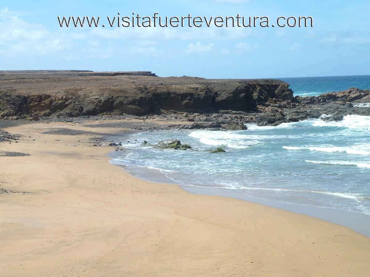 Playa de Jarubio en la costa oeste de Fuerteventura Guia de Playas de Fuerteventura Las