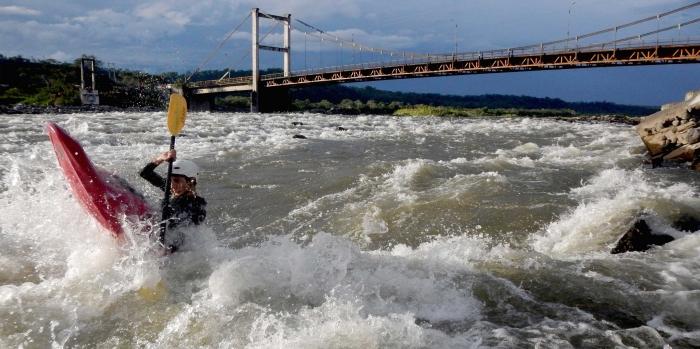 Río Upano tiene una longitud de 97 Km, su ancho varía entre 500 metros a 1km de lecho de rio, sus aguas desembocan en el río Namangosa.