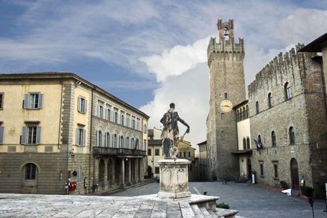 Palazzo dei Priori - palazzo del comune arezzo - Cosa vedere e Visitare ad  Arezzo e Provincia: Musei e itinerari