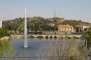 Ponte e vista da cidade