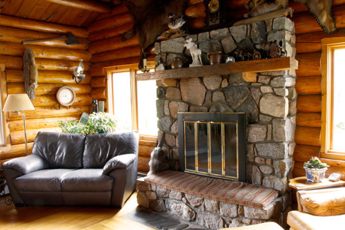 Nor'Wester Lodge & Canoe Oufitters fireplace