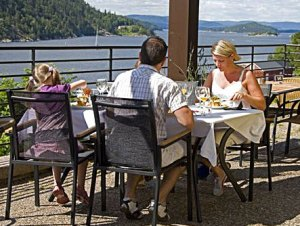 Oscarsborg Hotel: Living and dining in a fantastic environment.