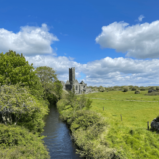 Quin Abbey is situated next to the picturesque Rine River. The ruins of this historic place are truly magnificent.