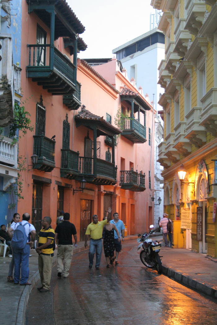 Warm weather every day, sometimes some unexpected rain showers.. Cartagena, Colombia © Carmen Cristina Carpio Tobar