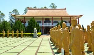 Vista externa do Templo Budista, em Foz do Iguaçu
