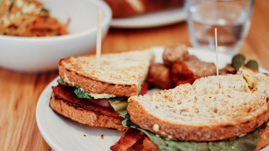 Where to eat lunch in Leiden | Where to eat breakfast in Leiden The Netherlands | Best hot spots to eat in Leiden