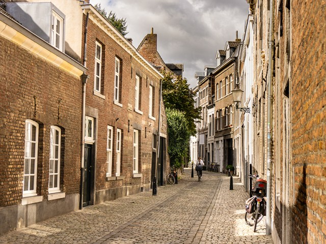 Free walking tour of Maastricht | Most beautiful monuments to see in Maastricht | Best things to do Maastricht