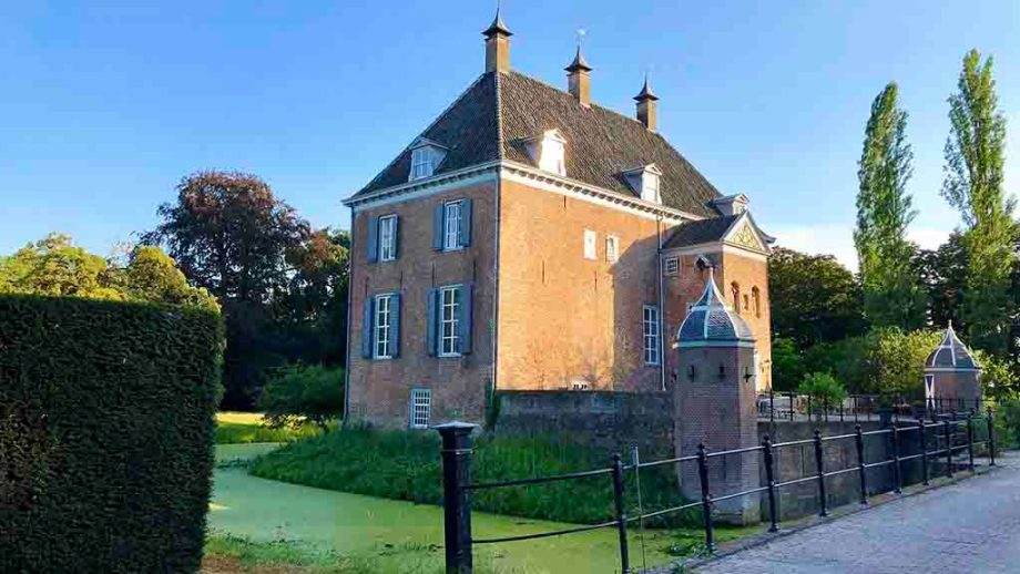 Castle B&B Hotel Ophemert in the province of Gelderland, The Netherlands