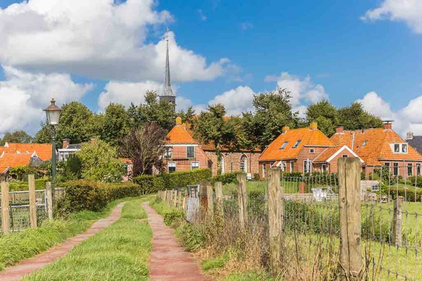 Path leading to the historic village of Niehove, Netherlands
