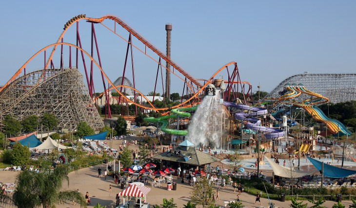 First Timer's Guide to Six Flags Great America - Visit Lake County ...